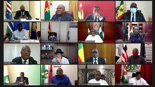 Une capture d'écrandusommet extraordinaire (en visioconférence) des chefs d'Etat et de gouvernement de la Communauté économique des Etats de l'Afrique de l'Ouest (Cédéao) sur la situation sociopolitique au Mali, le 20 août 2020. (ECOWAS/REUTERS)