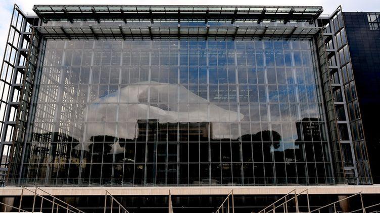"""Le nouveau bâtiment des Congrès de Rome, surnommé """"le nuage"""" (19 octobre 2016)  (Alberto Pizzoli / AFP)"""