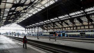 Les quais vides de la Gare de Lyon, le 3 avril 2020. (LUDOVIC MARIN / AFP)