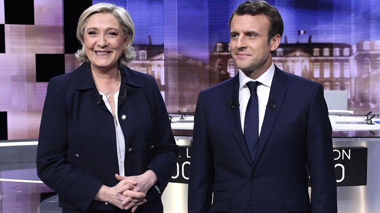Marine Le Pen et Emmanuel Macron lors du débat d'entre-deux-tours, le 3 mai 2017 sur France 2. (ERIC FEFERBERG / AFP)