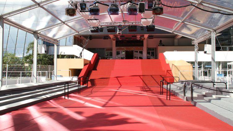 Le tapis rouge du festival de Cannes désert. (J.M EMPORTES / ONLY FRANCE)