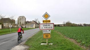 L'entrée de la commune de Crépy-en-Valois (Oise), le 28 février 2020. (MARTIN BUREAU / AFP)