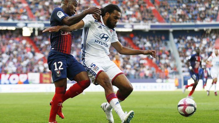 Jason Denayer, sous le maillot de Lyon. (CHARLY TRIBALLEAU / AFP)