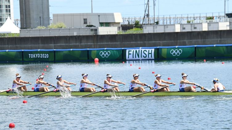 L'équipe féminine d'aviron des Etats-Unis lors des Jeux de Tokyo, le 24 juillet 2021. (LUIS ACOSTA / AFP)