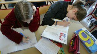 Rentrée scolaire dans un collège du Mans (Sarthe) en classe de 6e, en septembre 2003 (MAXPPP)