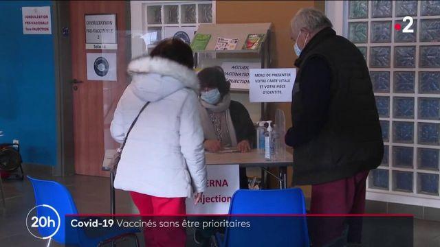 Covid-19 : pour éviter le gaspillage, des personnes non prioritaires sont parfois vaccinées