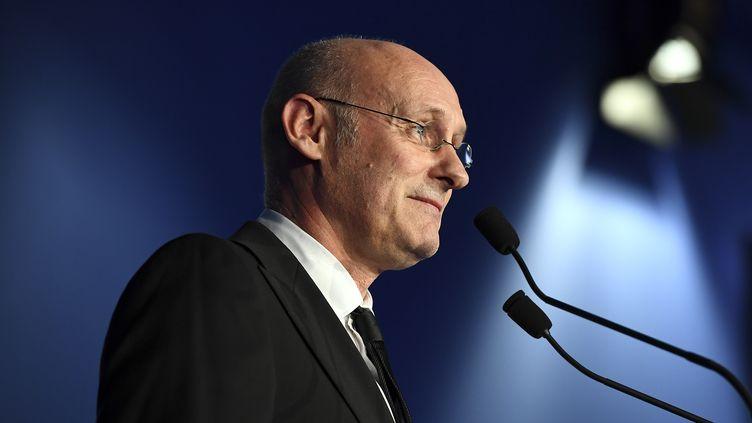 Le nouveau patron de la Fédération française de rugby, Bernard Laporte, le 3 décembre 2016, à Marcoussis (Essonne). (FRANCK FIFE / AFP)
