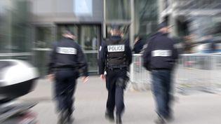 Des policiers près de la gare Lille Europe,à Lille, en 2017 (image d'illustration). (SEBASTIEN JARRY / MAXPPP)
