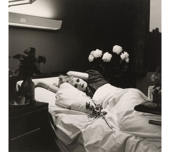 "Peter Hujar, ""Candy Darling sur son lit de mort"", 1973, Collection Ronay et Richard Menschel (© Peter Hujar Archive, LLC, courtesy Pace/MacGill Gallery, New York and Fraenkel Gallery, San Francisco)"