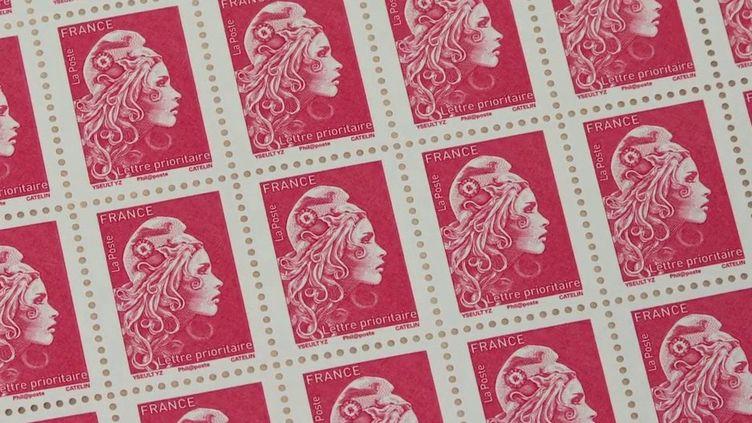 La Poste : le timbre rouge va-t-il bientôt disparaître ? (France 2)