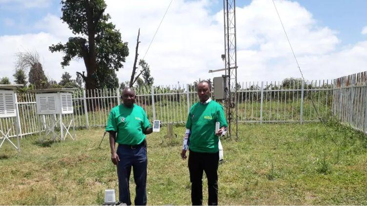 De petits exploitants agricoles utilisent l'application mobile ITIKI, qui leur permet d'anticiper la sécheresse. (ITIKI)