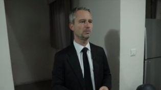 C'est un poste à très haut risque : ambassadeur de France en Afghanistan. Le quotidien de l'ambassadeur David Martinon est placé sous très haute surveillance. (FRANCE 3)