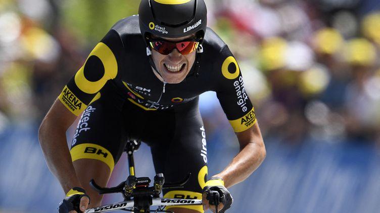 Romain Sicard (Team Total Energie Direct) raccroche son vélo. (LIONEL BONAVENTURE / AFP)