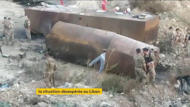 Un camion-citerne rempli d'essence a explosé au Liban (FRANCEINFO)