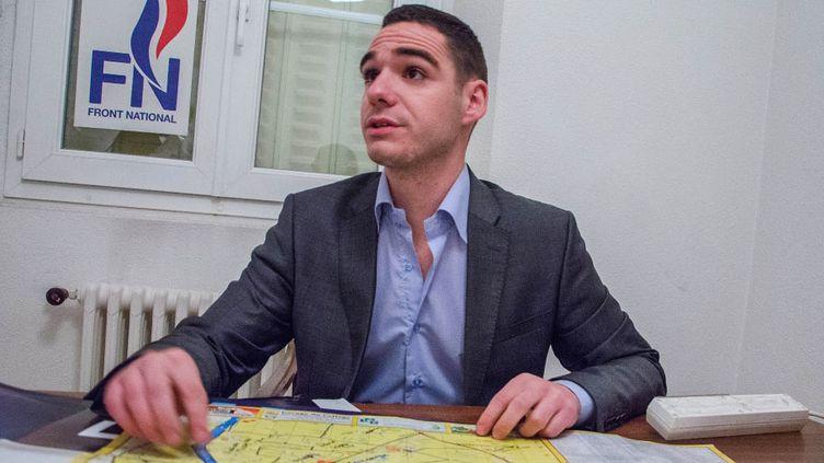 Le candidat du Front national, Etienne Bousquet-Cassagne, le 17 février 2014 à Villeneuve-sur-Lot (Lot-et-Garonne). (THOMAS BAIETTO / FRANCETV INFO)