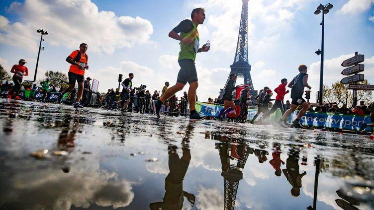 Le Schneider Electric Marathon de Paris offre une occasion unique de s'approprier la ville. (© AURELIEN VIALATTE  ASO)