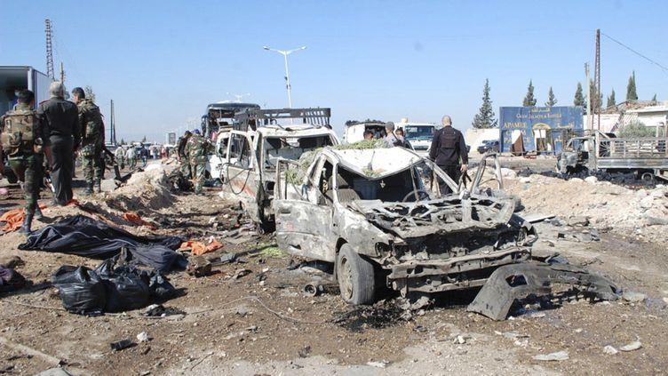 Un camion utilisé pour commettre une attaque suicide, perpétrée à Hama (Syrie), le 20 octobre 2013. (SANA / REUTERS)