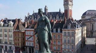 La vie d'aujourd'hui dans les villes de France, comparée à celle d'avant. Après Toulouse, Nantes et Bordeaux, le 13 Heures vous emmène à Lille dans le Nord. (France 2)