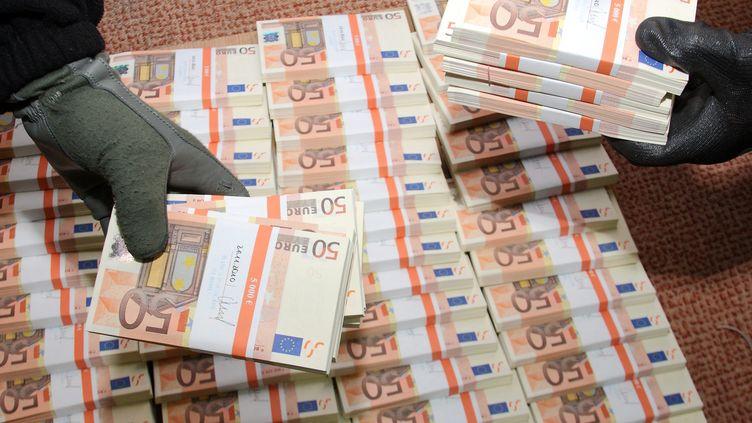 L'atelier,dissimulé dans un petit village situé entre Meaux et Chelles (Seine-et-Marne), fabriquait des billets de 20 et 50 euros. ( HANDOUT / MAXPPP)