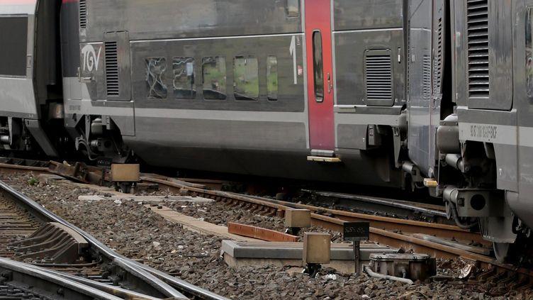 Déraillement d'un TGV à faible vitesse à l'entrée de la gare Saint-Charles à Marseille le 24 août 2018. (VAL?RIE VREL / MAXPPP)