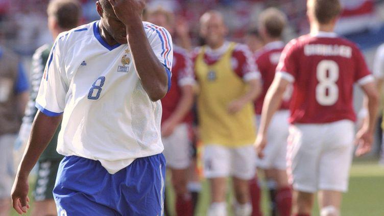 Le défenseur central Marcel Desailly, à la fin du match perdu contre le Danemark en Coupe du monde, le 11 juin 2002. (Kyodo / MAXPPP)