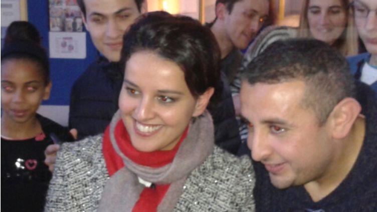 (Najat Vallaud-Belkacem au collège de Beuvrages ce lundi  © Radio France / Nathalie Bourrus)
