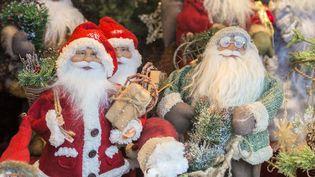 Décorations de Noëlsur un stand du marché de Nuremberg, en Allemagne. (DANITA DELIMONT / GALLO IMAGES)