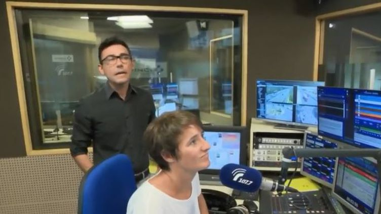 Dans les studios de la radio 107.7 qui accompagne les automobilistes. (FRANCE 2)