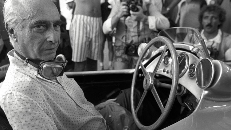 Juan Manuel fangio, le célèbre pilote argentin, photographié ici en avril 1987 à Rio de Janeiro (Brésil). (REUTERS)