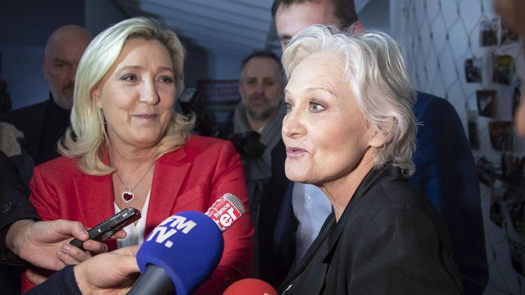 Marie-Caroline Le Pen s'exprime lors d'une conférence de presse en présence de sa soeur Marine Le Pen à Calais (Pas-de-Calais) le 11 mars 2020. (MAXPPP)