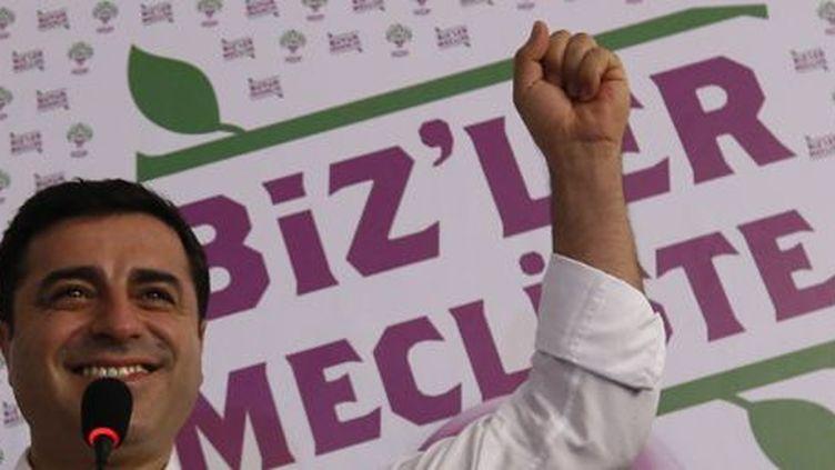 Le co-président du HDP, Selahattin Demirlas, au siège de son parti à Istanbul le 7 juin 2015. (Reuters - Murad Sezer)