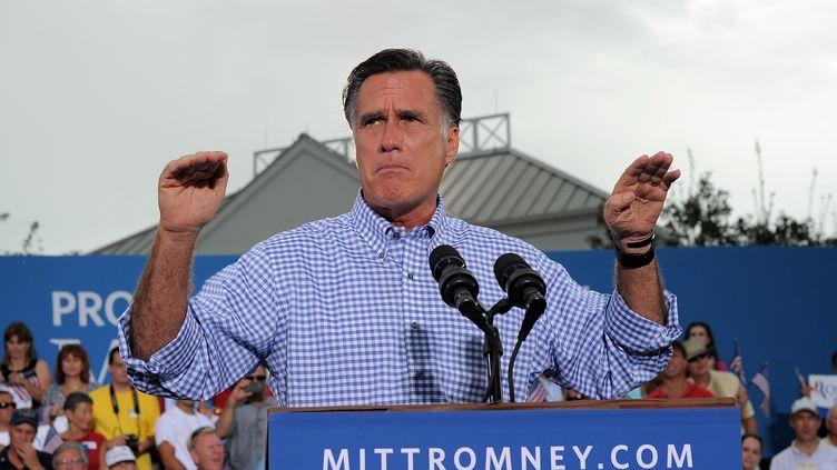 Mitt Romney prononce un discours à Port Sainte-Lucie, en Floride (Etats-Unis), le 7 octobre 2012. (JEWEL SAMAD / AFP)
