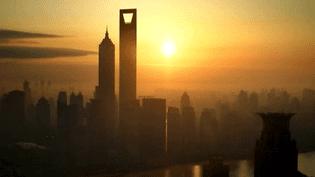 """""""Le décapsuleur"""" de Shangaï mesure 472 mètres de haut  (France 2 / Culturebox)"""