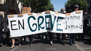 Manifestation de syndicats et d'étudiants contre la loi Travail, à Marseille, le 17 mai 2016. (MAXPPP)