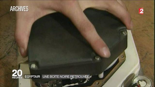 Crash du vol d'EgyptAir : l'une des deux boîtes noires a été récupérée