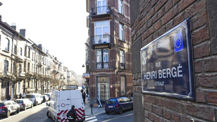 (A l'appartement repéré dans cette rue de Schaerbeek près de Bruxelles, s'ajoute deux autres caches © Isopix/SIPA/Sierakowski)