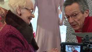"""Gladys et Patrice Leconte lors du tournage """"Boutiques obuscures"""" à Cavaillon  (France 3 / Culturebox )"""