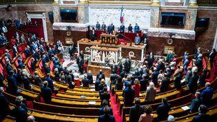 Les députés à l'Assemblée nationale, à Paris, le 19 octobre 2021. (XOSE BOUZAS / HANS LUCAS / AFP)