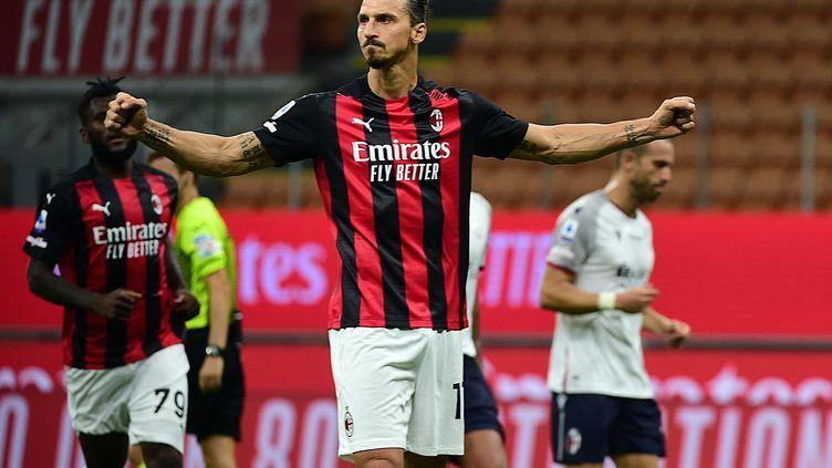 Zlatan Ibrahimovic, auteur d'un doublé avec l'AC Milan face à Bologne, le 21 septembre 2020 (PIER MARCO TACCA / ANADOLU AGENCY)