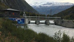 Le barrage deRomanches Gavet en Isère. (GREGOIRE LECALOT / RADIO FRANCE)