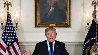 Donald Trump prononce une allocution sur l'accord sur le nucléaire iranien, à Washington (Etats-Unis), le 13 octobre 2017. (BRENDAN SMIALOWSKI / AFP)