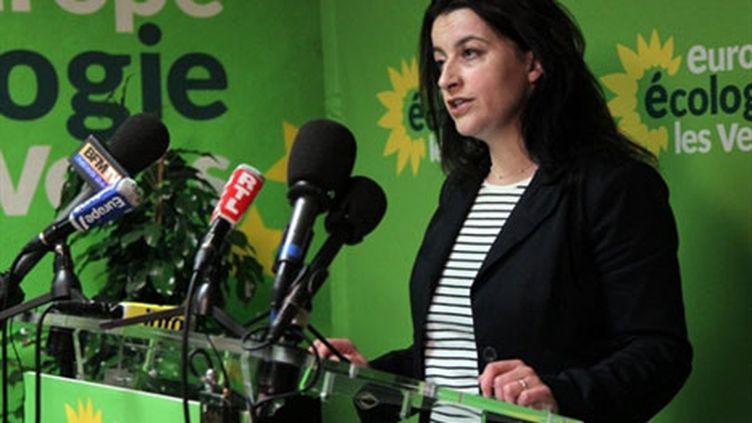 Cécile Duflot, le 20 mars 2011, à Paris à l'issue du premier tour des élections cantonales. (AFP/Pierre Verdy)