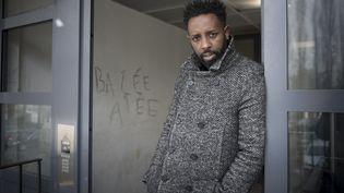 Le réalisateur français Ladj Ly est en compétition pour la Palme d'or à Cannes pour son film Les Misérables. (ERIC FEFERBERG / AFP)