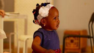 """La petite Mercy, née en 2017 à bord de l'""""Aquarius"""", dans un foyer pour femmes seules avec enfants en Sicile. Cette photo a été postée sur la cagnotte en ligne lancée le 25 septembre 2018 pour la fillette et sa mère. (DR)"""