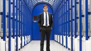 Mathieu Gallet pose au siège de l'INA, à Paris, le 29 septembre 2010, quelques mois après sa nomination à la tête de l'Institut. (BERTRAND LANGLOIS / AFP)