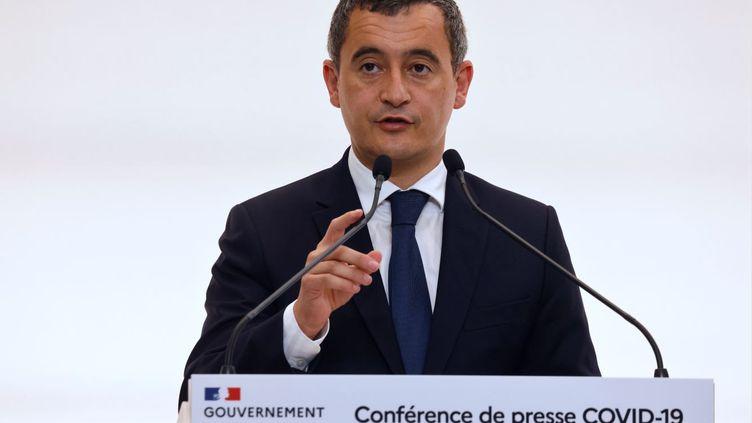 Le ministre de l'Intérieur, Gérald Darmanin, lors d'une conférence de presse sur les nouvelles mesures de lutte contre l'épidémie de Covid-19, le 15 octobre 2020 à Paris. (LUDOVIC MARIN / POOL / AFP)