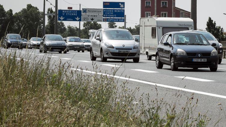 Quelque 37% des conducteurs observés durant l'étude ont dépassé allègrement les 130 km/h autorisés. (JEAN-PHILIPPE KSIAZEK / AFP)