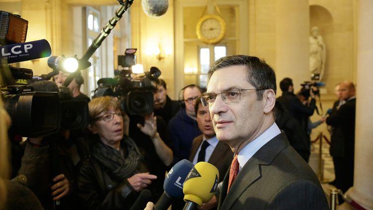 Patrick Devedjian dans la salle des quatre colonnes à l'Assemblée nationale (Paris), le 15 janvier 2014. (  MAXPPP)