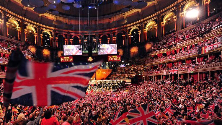"""La soirée """"Last night of the proms"""" au Royal Albert Hall à Londres le 7 septembre 2013 (CARL COURT / AFP)"""