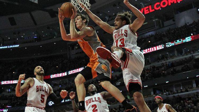 Joakim Noah n'a pu empêcher la défaite des Bulls face à Phoenix